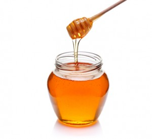 Minska ögonpåsar med honung